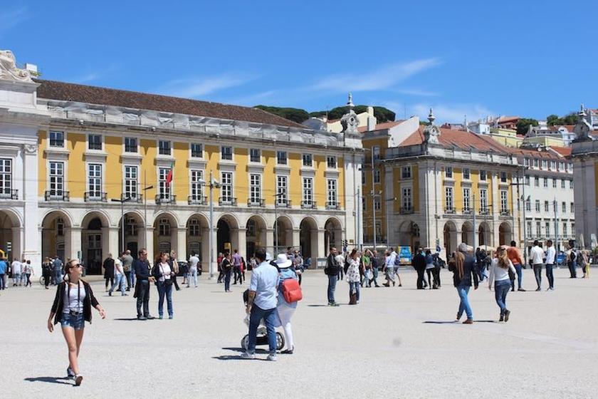 Lisboa. Aluguer de Autocarros
